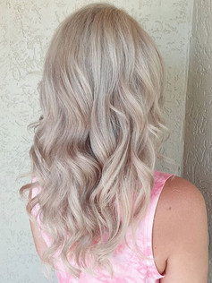 Blondes and curls 👌🏻💗 #blonde #blonde