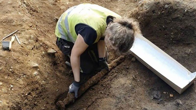 Uma espada viking de 1100 anos foi encontrada na Noruega