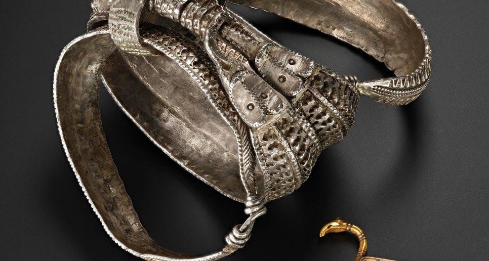 O tesouro viking de Galloway Hoard será exposto ao Público.