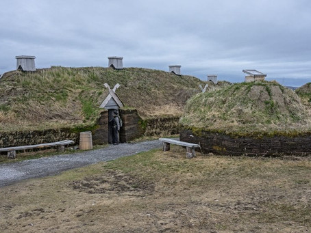 L'ANSE AUX MEADOWS – O ASSENTAMENTO VIKING DO CANADÁ