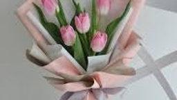 5 Stem Tulips in a bouquet