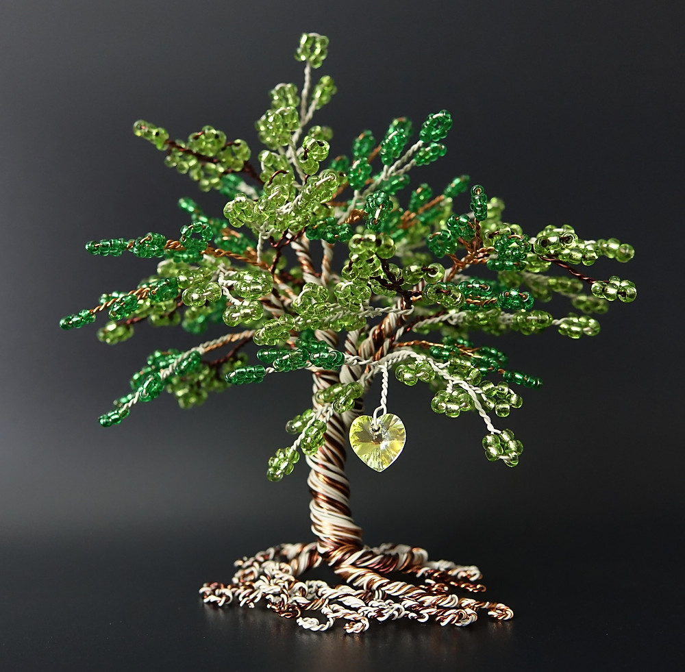 Green bead and wire tree of life with swarovski heart