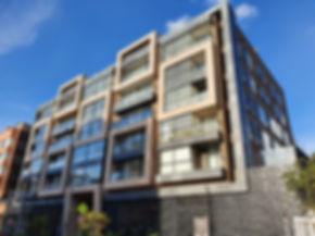 Fachada edificio Domus concreto flexible