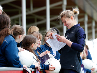 Starlets Meet England's Lionesses