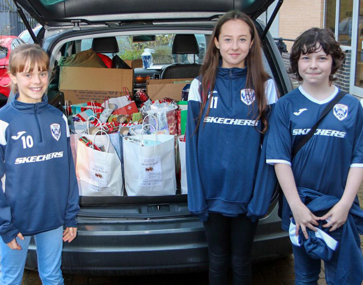Starlets FC Donate to Foodshed
