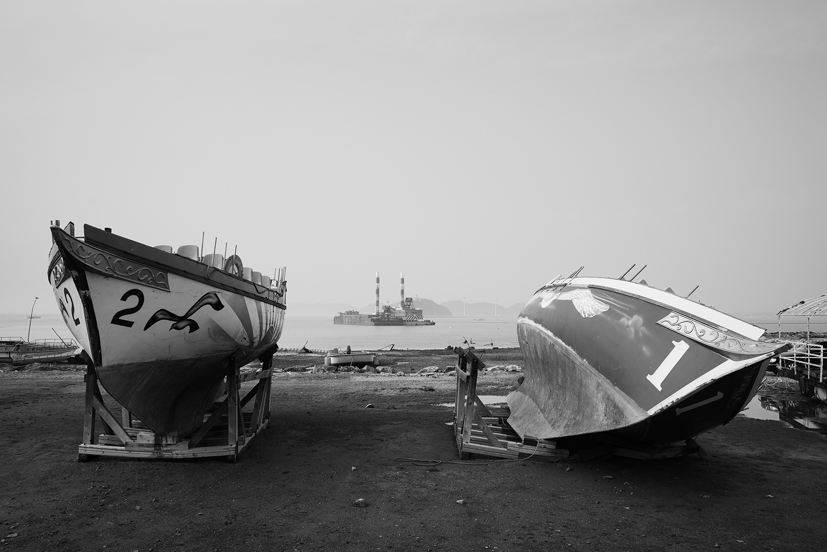 Fishhooks-9, Two ships, 120x180cm, C print, 2015