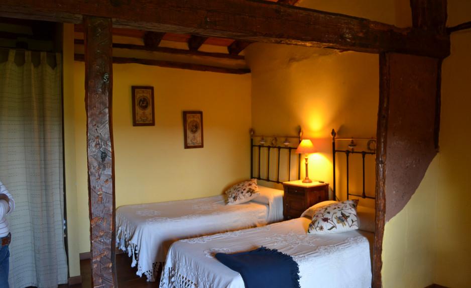 Otra zona con 2 camas en el dormitorio 1