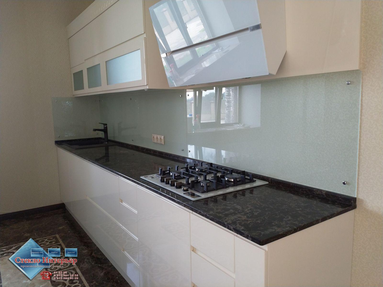 Закалённое стекло на фартук кухни