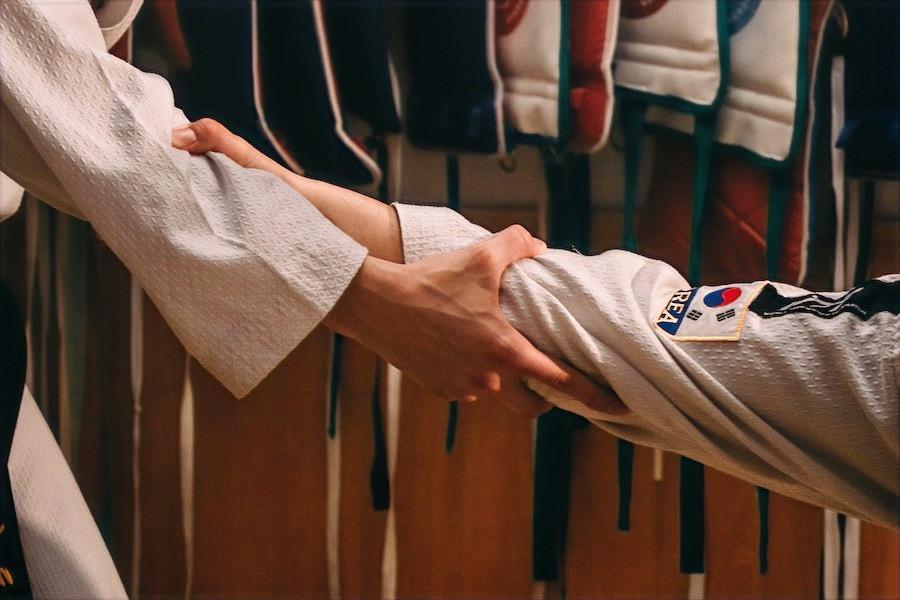 El Taekwondo defiende y protege los valores humanos en cualquier situación.