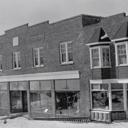 New Hanna Block After Fire 1932.jpg