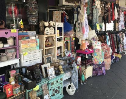 Hippy Shop / New Age Markets
