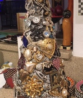 Get Crafty With Lauren. Make a Christmas Tree or ANY Theme tree!!