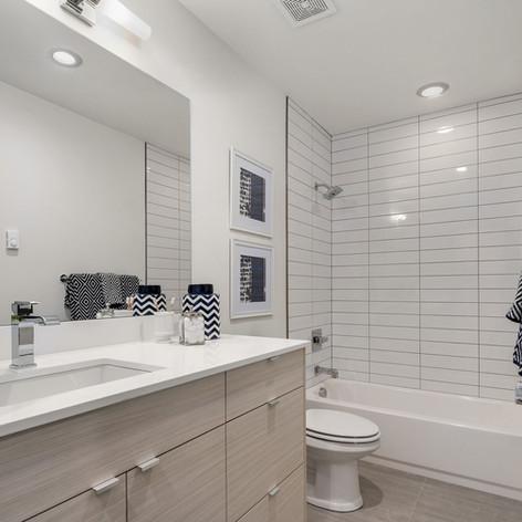 Lwr Bathroom
