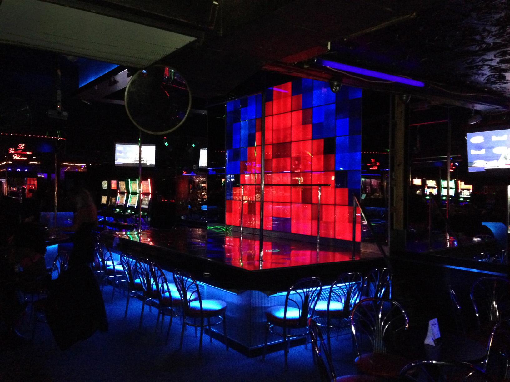 Club L'Axe_02