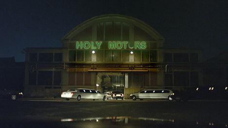 HOLY MOTORS - Still 12.jpg