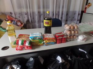 Colis alimentaires pour les familles de nos programmes