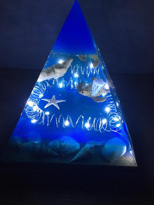 Lámpara Pirámide Fondo Marino