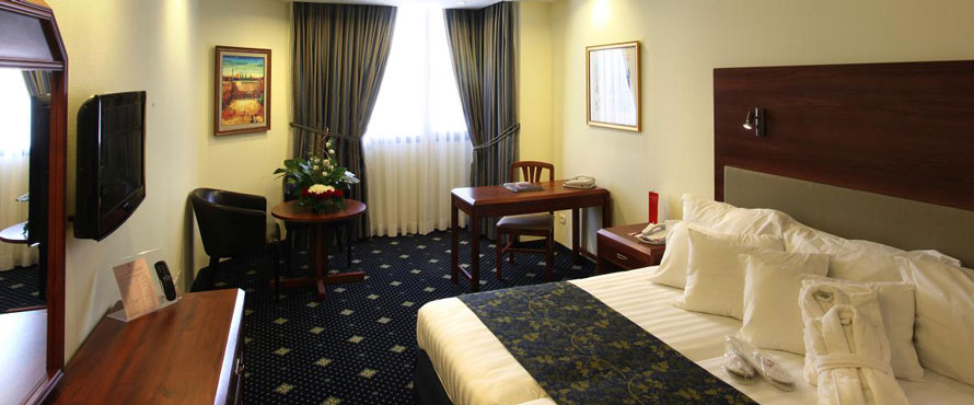 Ramada-Hotel-Jerusalem---Room-on-Executive-floor890