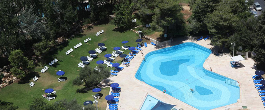 Ramada-Hotel-Jerusalem---Outdoor-&-kiddies-Pools890
