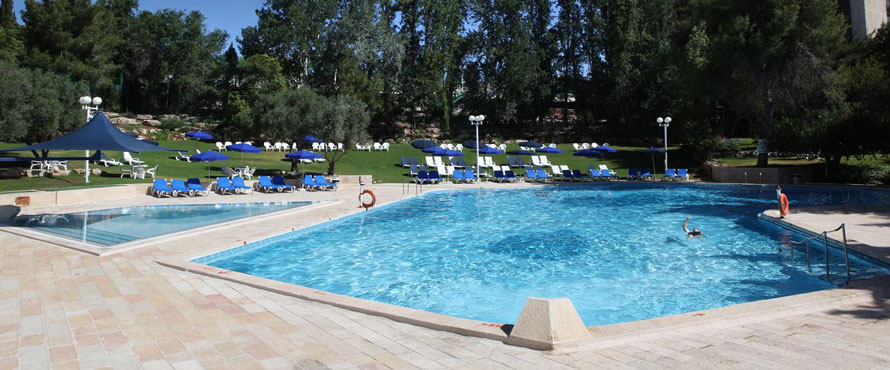 Ramada-Hotel-Jerusalem---Outdoor-Pools890