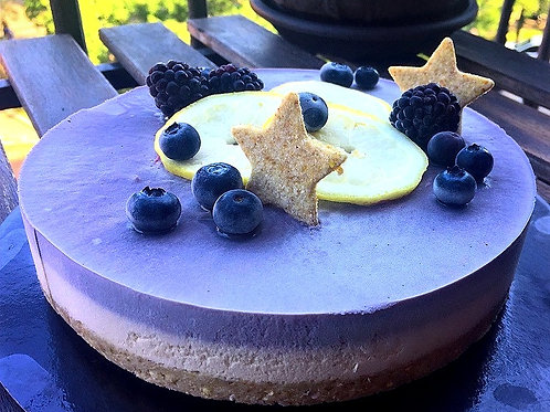 Lemon blueberry raw vegan cheesecake
