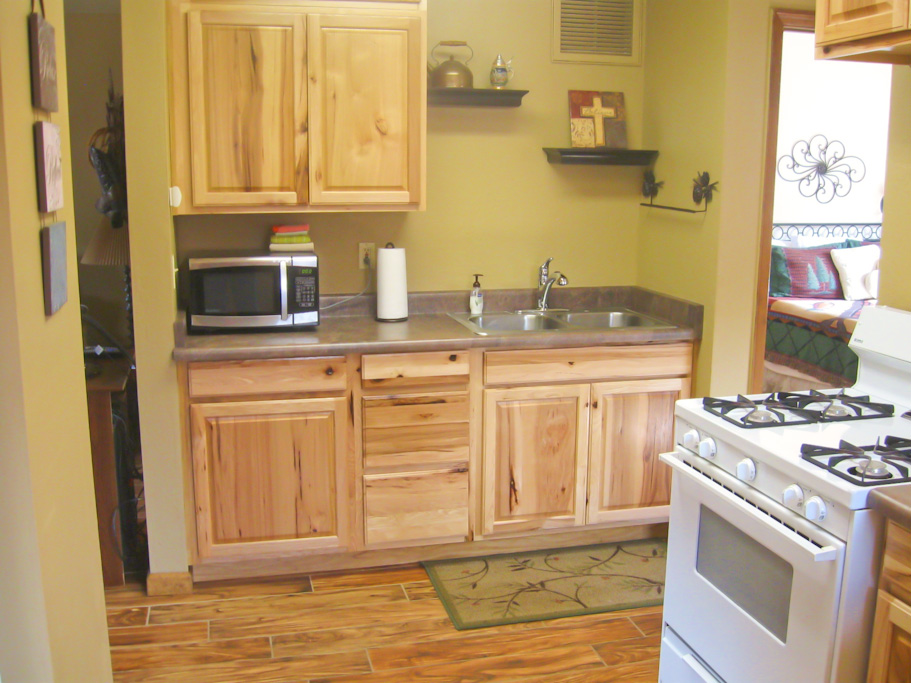 Kitchen at White Mountain Lodge #4