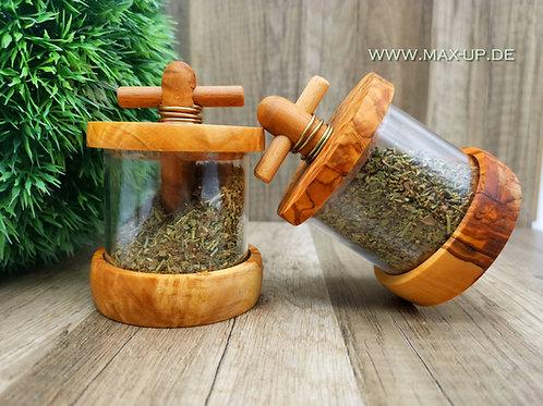 Kräutermühle gefüllt mit Kräutern der Provence aus Olivenholz