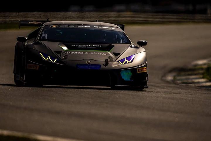 ENDURANCE: Lamborghini sem adversários