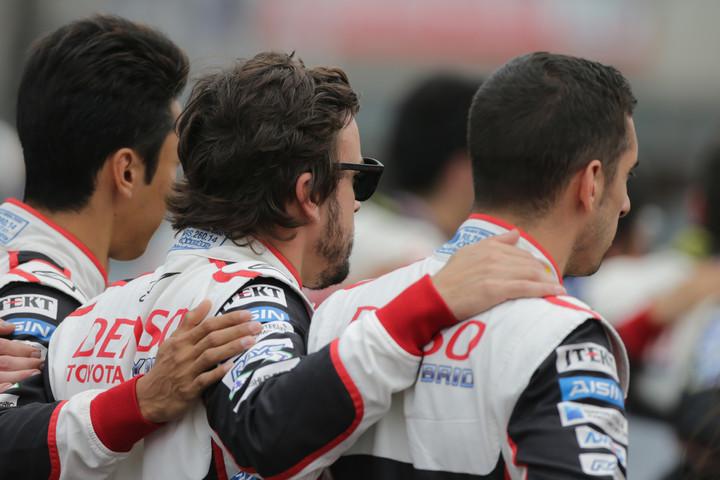 WEC: Alonso na pista e nas manchetes