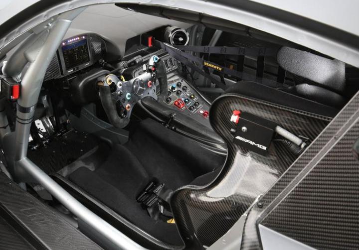 TESTE: Dentro do Mercedes-AMG GT3 6.3 V-8