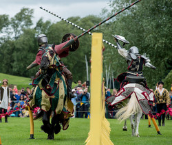 Eem_jousting_at_linlithgow_palace_DJ_01072017018