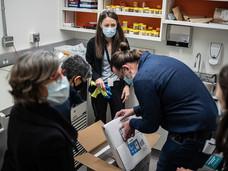 第一批疫苗到达BC省
