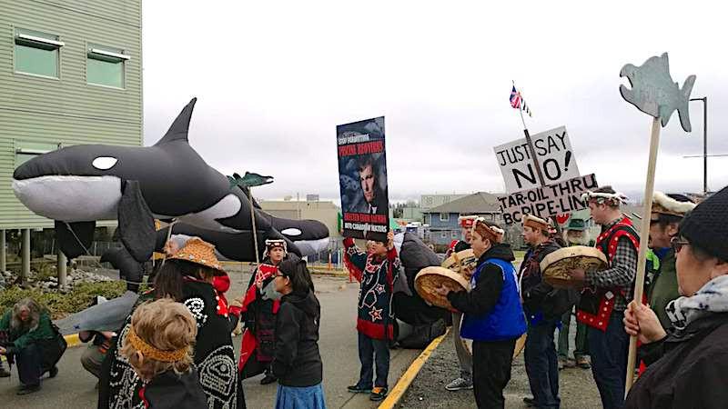 油管扩建、反对三文鱼养殖场的温哥华岛纳奈莫先住民。