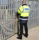 porta biztonság védelem