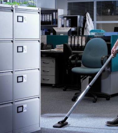 Irodai helyiségek takarítása