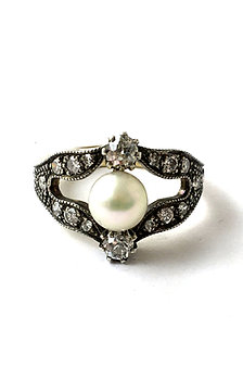 Ring im viktorianischen Stil