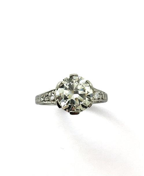 Exklusiver Diamant–Ring in Platin