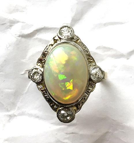 Diamantring mit großer Perle