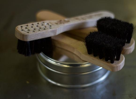 Brosse cuir crin noir
