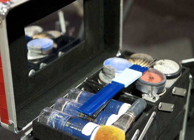 clown makeup kit.png