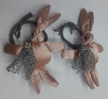 BROCH09 Liga Conejo rosa gold