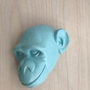 Tête de singe bleu pastel