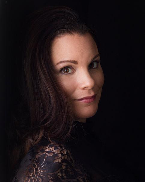 Headshot Photography by Rachel Alves