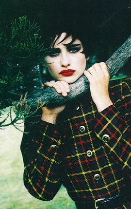 Red Lips Smokey eyes Pine Tree