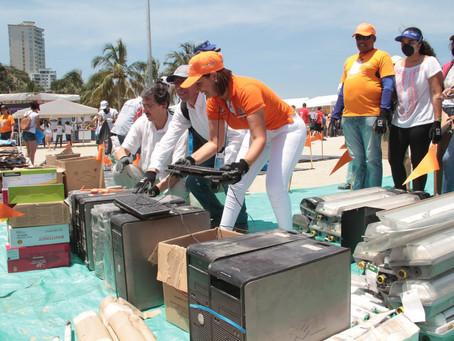 En jornada de limpieza en El Rodadero se recolectaron 5.2 toneladas de residuos
