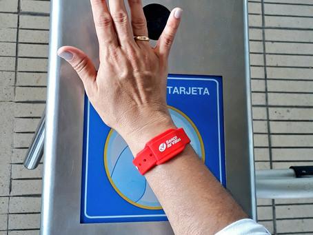 Usuarios de Transmetro podrán usar manilla electrónica de AV Villas para movilizarse en el sistema