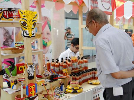 Artesanos exhibieron sus productos en muestra comercial