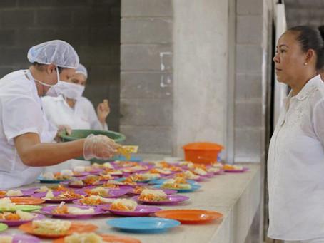 Con equipo de cumplimiento inició PAE en 215 instituciones de Cartagena