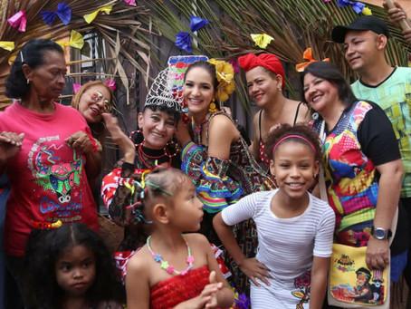 Valeria Abuchaibe continúa exaltando la labor de las hacedoras del Carnaval de Barranquilla