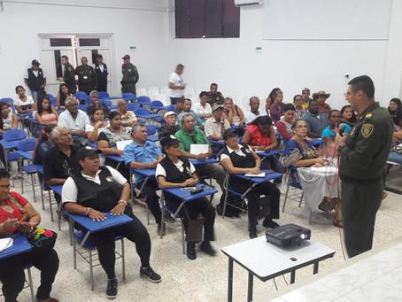Policía de Sucre capacita a líderes comunitarios